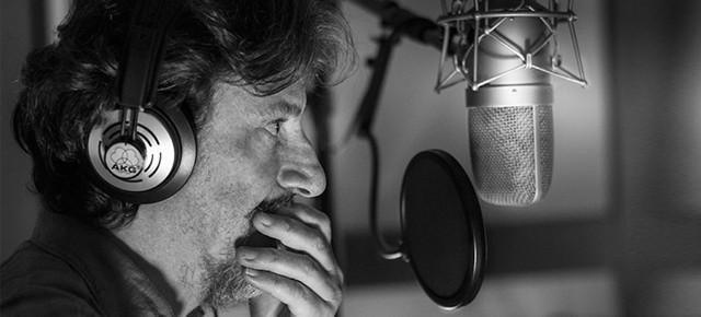 """GIORGIO TIRABASSI: AL VIA IL PRIMO TOUR DA CANTANTE CON """"ROMANTICA"""""""
